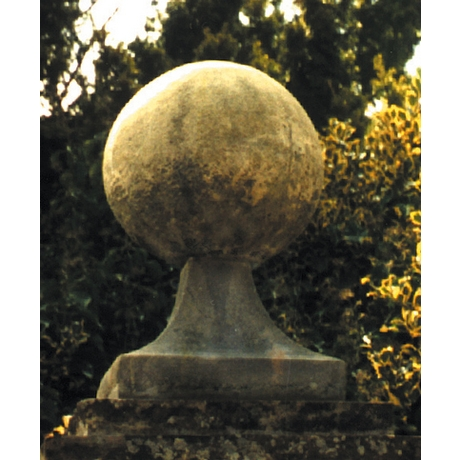 Large Ball On Base Finial - Cotswold Stone