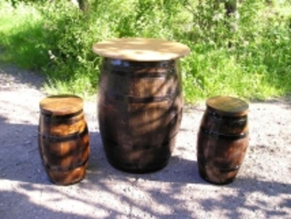 Barrel Amp Garden Hogshead Table With Stools