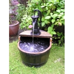 Dark Oak Pitcher Pump Water Garden